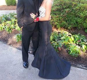 Black 2 piece mermaid prom dress.